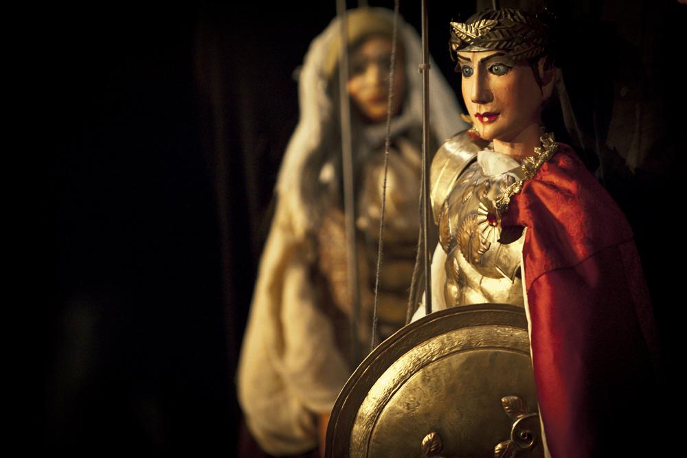 PHOTO 8 – Caligula